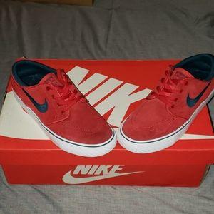 Nike zoom sb stefan janoski skateboarding 4Y